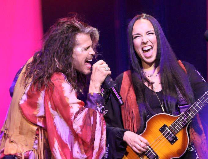 Steven Tyler e Loving Mary's Rebecca Lynn Howard @Niagara Falls Resort, marzo 2016
