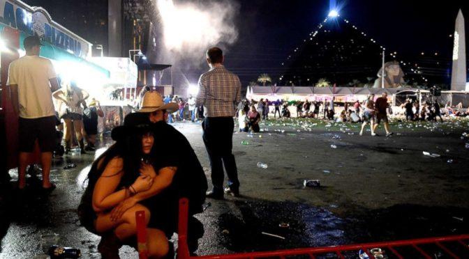 Las Vegas, notte di terrore sulla Strip. E il viale del sogno si tinge di sangue